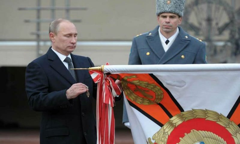 Putin hoards gold